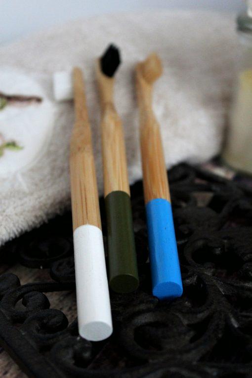 bambusowa-szczoteczka-do-zebow